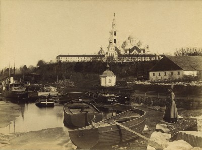 1. Общий вид Валаамской обители, 1890-е годы. Из коллекции Константина Бенедиктова