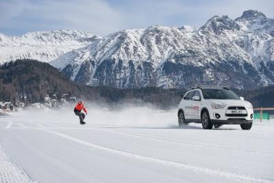 -Britains-fastest-snowboarder-and-Mitsubishi-ASX-break-world-record (1)