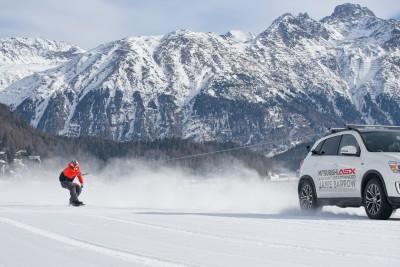 -Britains-fastest-snowboarder-and-Mitsubishi-ASX-break-world-record (2)