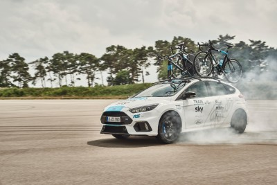 Ford_2017_FOCUS_RS_TeamSky_01