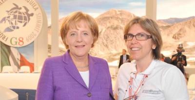 Мария Крискуоло ( справа) и Ангела Меркель на Саммите G8 в Аквиле ( Италия, 2009)