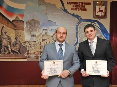 Начальник штаба ДНД ГАЗа (слева) Николай Кадын и лучший дружинник Андрей Лазарев