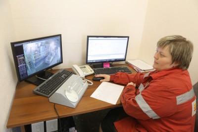 диспетчер шахты Горно-Шорского филиала Евразруды контролирует месторасположение персонала на горизонте +115 м.